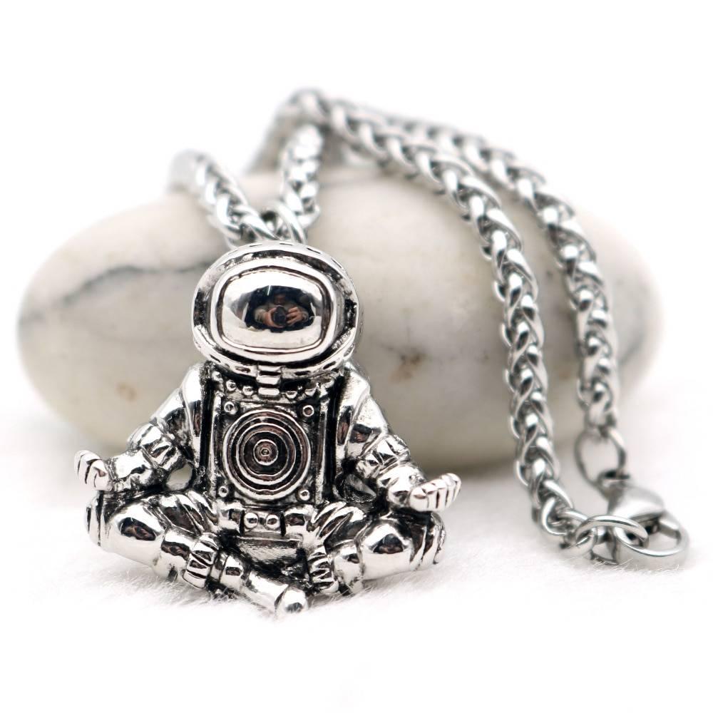 Men's Astronaut Shaped Pendant Necklace Men Jewelry Necklaces